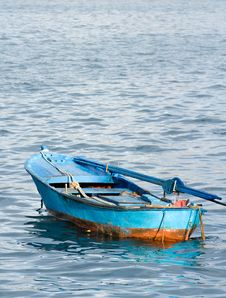 Free Blue Fishing Dinghy Stock Images - 2994084