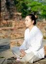 Free Buddhist Woman Meditating Stock Photography - 29906182