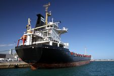 Free General Cargo Ship Royalty Free Stock Image - 29901366