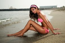 Free Woman With Beautiful Body On A Tropical Beach Stock Photos - 29903993