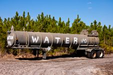 Free Water Tender Royalty Free Stock Photography - 29904557