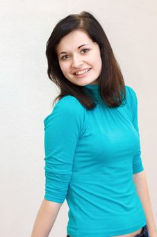 Free Beautiful Brunette Girl Smiling Cheerfully Royalty Free Stock Photos - 29905668