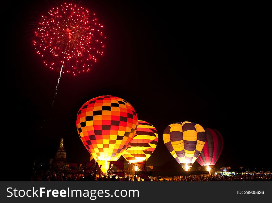 Fireworks in work ,Internationa l Balloon Festival