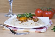 Free Spaghetti With Meat Sauce Royalty Free Stock Images - 29910889