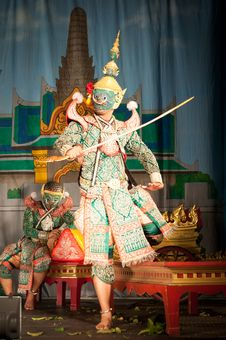 Free Lamphun, THAILAND - March 19: Thai Traditional Dress. Actors Per Royalty Free Stock Photography - 29916067