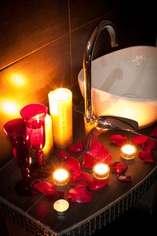 Free Romantic Spa Royalty Free Stock Photography - 29916507