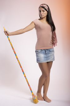 Free Young Housewife With Broom Royalty Free Stock Photos - 29919778