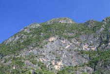Free Carbonate Mountain Peak Stock Image - 29923291