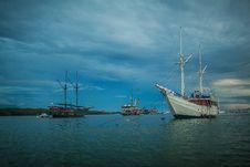 Free Fishing Ship 2 Stock Image - 29936911