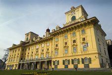 Free Austrian Palace Royalty Free Stock Photos - 29951628