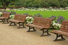 Free Benches In The Park Royalty Free Stock Photos - 29951808