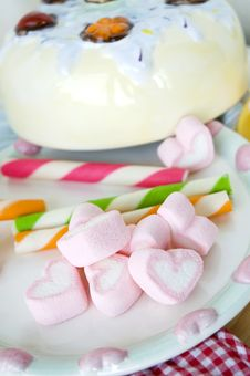 Free Heart Marshmallow Royalty Free Stock Images - 29963779