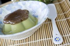 Free Pudding Green Tea Dessert Royalty Free Stock Photography - 29963827