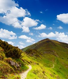 Free Trail In The Mountains Royalty Free Stock Photo - 29980555