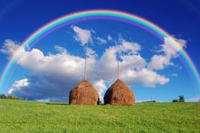 Free Rainbow Over The Haystacks Stock Photography - 29980562