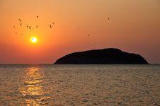 Free Golden Sunrise Royalty Free Stock Image - 29995976