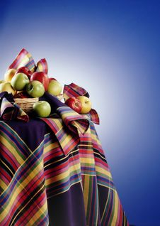 Free Apples On A Table Stock Photography - 303532