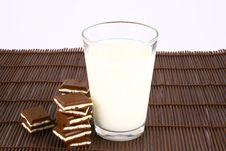 Free Milk And Chocolate Stock Photo - 3001470