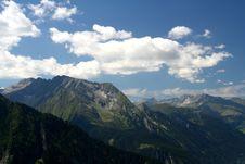 Free Mountain Scene Royalty Free Stock Photography - 3003357