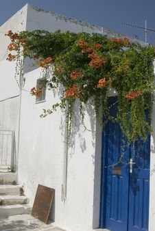Free Greek Island Street Scene Royalty Free Stock Images - 3008379