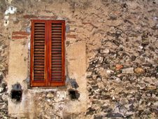 Free Window With Closed Shutters Royalty Free Stock Photos - 3009838
