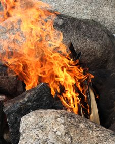 Free Campfire Burning Stock Photography - 30001022