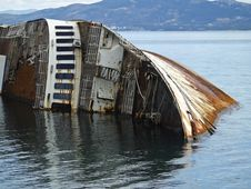 Free Mediterranean Sky Shipwreck Royalty Free Stock Photos - 30013298