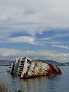 Free Mediterranean Sky Shipwreck Stock Image - 30013331