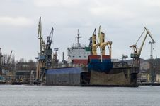 Free The Dry Dock Stock Photos - 30032273