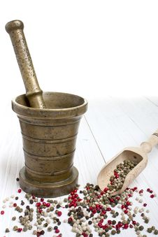 Free Antique Mortar And Pepper Stock Photography - 30040352
