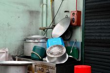 Free Clean Pots And Pans On Outdoor Sink Stock Image - 30051531