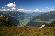 Free Mountain Scene Stock Photo - 3011000