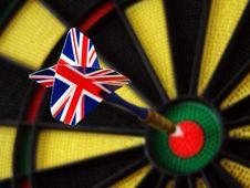 Free Union Jack Dart In Bulls Eye Royalty Free Stock Photos - 3011128