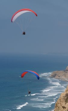 Free Two Paragliders Soar Royalty Free Stock Image - 3011296