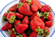 Free Strawberry On The Plate Stock Photography - 3011412
