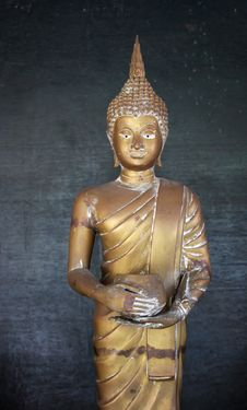 Free Buddhist Statue Royalty Free Stock Image - 3013946