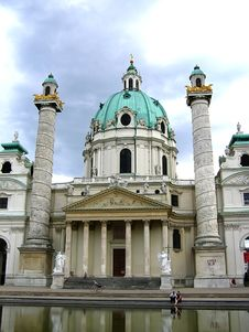 Free Karlskirche Royalty Free Stock Photography - 3019817