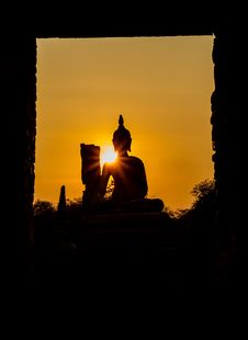 Free Buddha And Pagoda After Sunset, Wat Phra Sri Sanphet Temple Royalty Free Stock Photography - 30116687