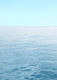 Free Blue Sea With Waves And Clear Blue Sky Stock Images - 30123624