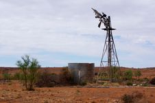 Free Broken Outback Windmill Stock Photos - 30132503