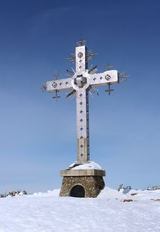 Free Cross On Top Of A Mountain Stock Photo - 30152570
