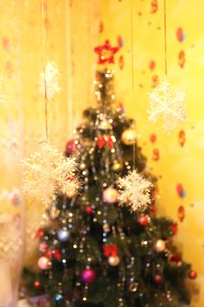 Free Harmonous Fur-tree With Snowflakes Royalty Free Stock Photography - 30159347