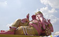 Free The Pink Statue Of Ganesha Royalty Free Stock Photography - 30179727
