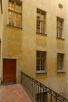 Free Windows In Nice France Royalty Free Stock Photography - 30181377
