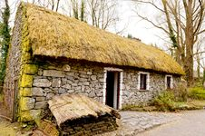 Free Old Irish Cottage Royalty Free Stock Images - 30197479