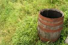 Free Wooden Barrel In Grass Stock Image - 3020991