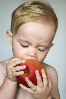 Free Toddler Eating Apple Stock Photos - 3021433