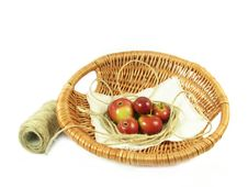 Free Red Apple In Basket And String Royalty Free Stock Photos - 3023838