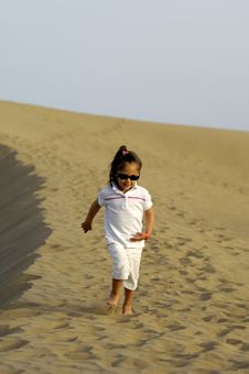 Free Child In Desert Stock Photography - 3026322