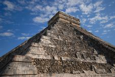 Free Chichen Itza Corner View Royalty Free Stock Image - 3029296